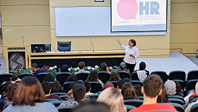 SAÜ'de 'Metin Yazarlığı' Konferansı Düzenlendi