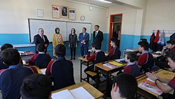 Vali Nayir Okul Ziyaretlerine Bu Hafta da Devam Etti