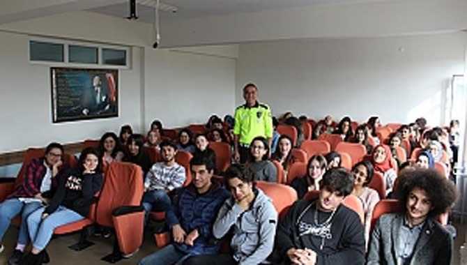 Cemil Meriç Sosyal Bilimler Lisesinde Trafik Eğitimi