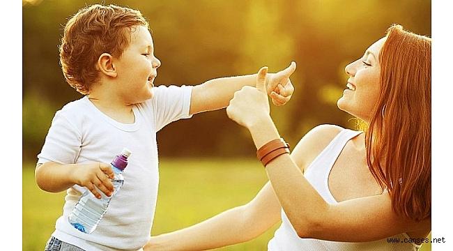 """""""Süper Anne"""" Rolü Kadınları Yıpratıyor Çocuğu Mutsuz Ediyor"""