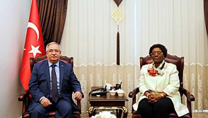 Tanzanya Birleşik Cumhuriyeti Ankara Büyükelçisi Kiondo'dan Vali Nayir'e Ziyaret