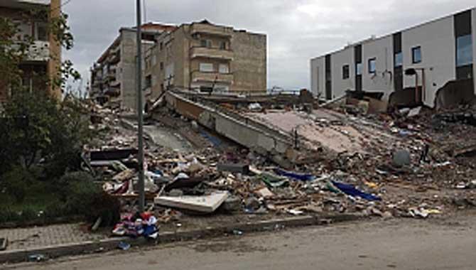 Arnavutluk Depremini İncelediler