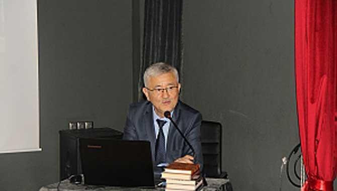 """""""Cengiz Aytmatov edebiyat dünyasında ses getiren bir isimdir"""""""