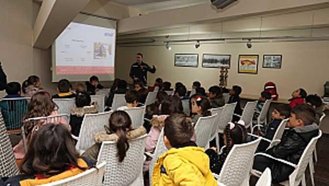 Deprem Müzesi'nde Afet Eğitimi Aldılar
