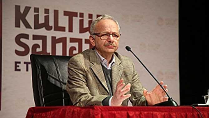 İstiklale Hasret Bir Mütefekkir: Mehmet Akif