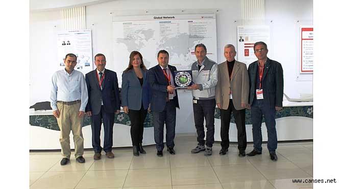 Toyota Türkiye Ailesine Olgunlar'dan Teşekkür Plaketleri