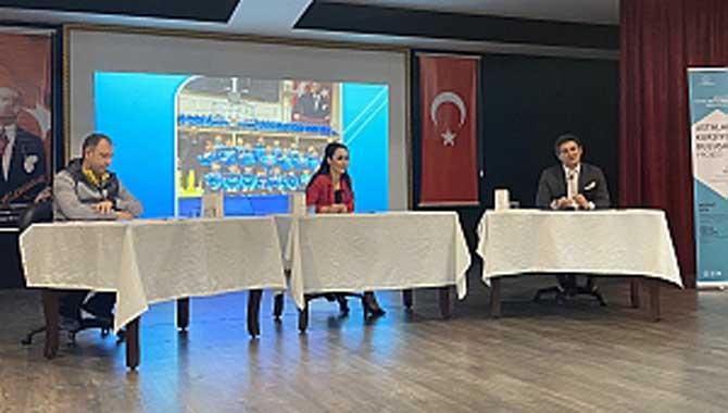 Uğur Kobaş ve Murat Şen Kursiyerler ile buluştu..