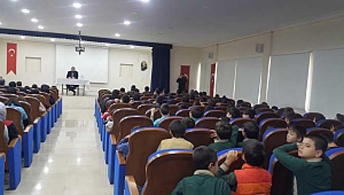 Yazar Tahsin Kılınç Taraklı Ortaokulu'nun misafiri oldu