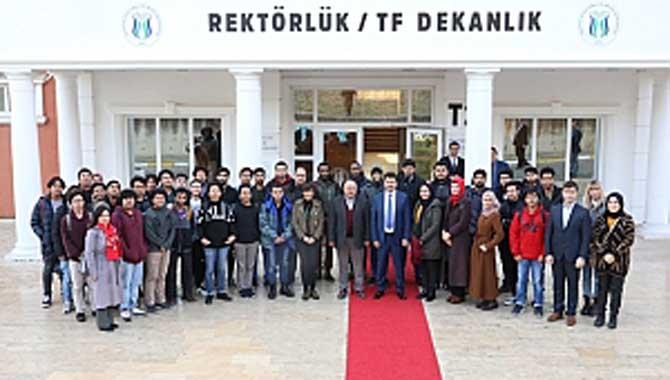 Rektörle Türkçe Konuştular