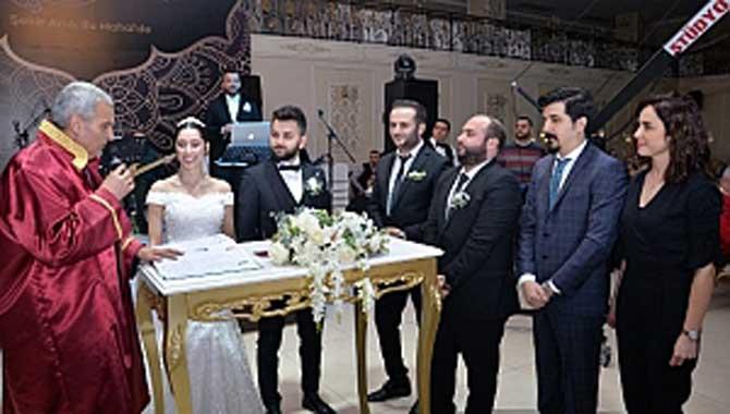 Sağlık Camiasından Muhteşem Düğün