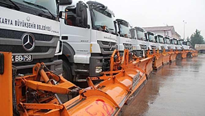 Sakarya Büyükşehir 60 araç 150 personel ile karla mücadeleye hazır
