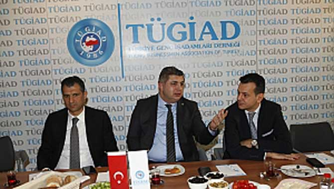 """""""SANAYİ VE TARIM ODAKLI BÜYÜMELİYİZ"""""""