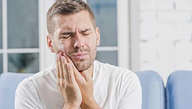 Bu Besinler Ağız ve Diş Sağlığımızı Bozuyor