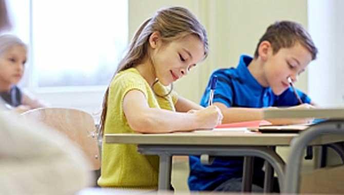 Doğru Kalem Tutuşu Çocuk Gelişimini Olumlu Yönde Etkiliyor