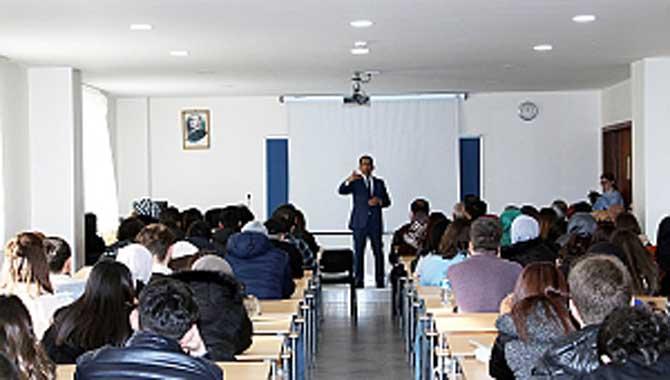 Dönemin ilk dersi Başkan Burak'tan