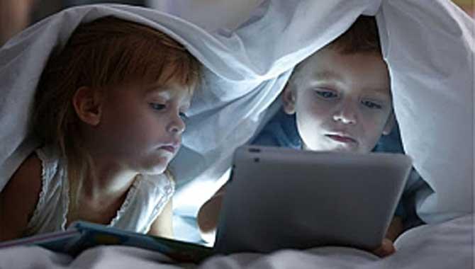 """""""Ekran""""lar Çocukları Olumsuz Etkiliyor!"""
