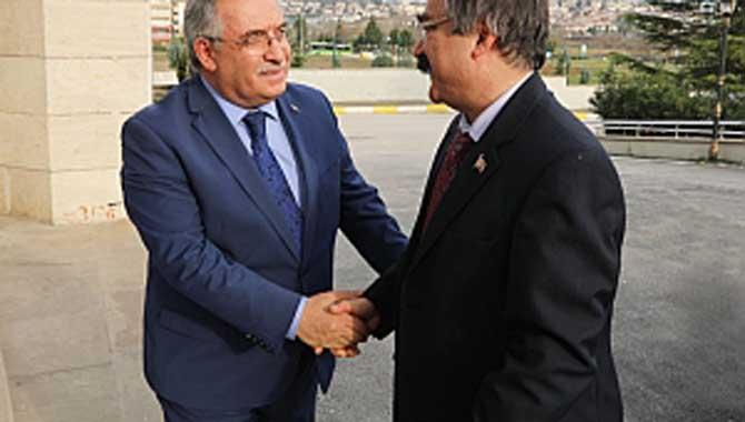 Merkez Valisi Coş'tan Vali Nayir'e Ziyaret