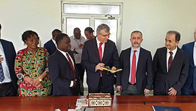 Rektör Savaşan Tanzanya Ziyaretinde Çeşitli Temaslarda Bulundu