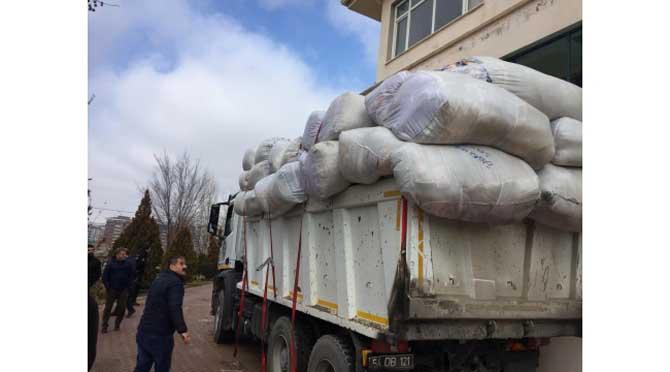 Serdivan'da Toplanan Yardımlar Elazığ'a Ulaştı