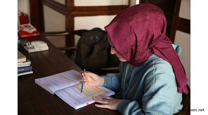 Sınavlara hazırlanan öğrencilerin adresi Alicanlar Konağı oluyor