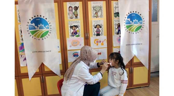 Tıp Merkezi'nden minik çocuklara diş taraması