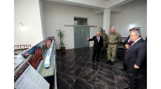 Vali Nayir Bakanlık Yetkilileri İle Birlikte TÜVASAŞ'ta Temaslarda Bulundu
