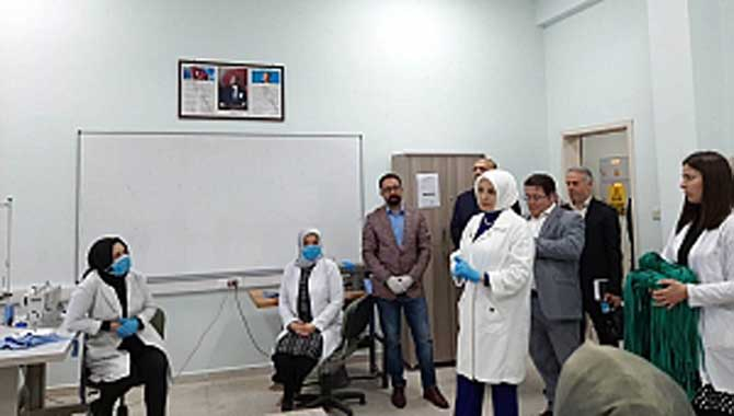 Durmuş'tan maske üreten Halk Eğitim personeline ziyaret...