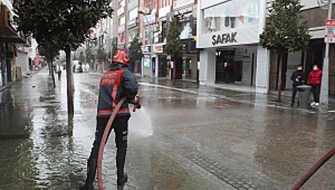 Şehir merkezinde dezenfekte seferberliği