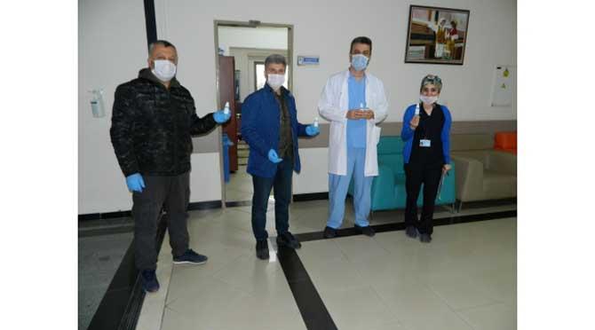 Trabzonlulardan sağlık çalışanlarına el dezenfektanı