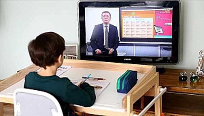 Uzaktan eğitimde ebeveynler disiplinli olmalı