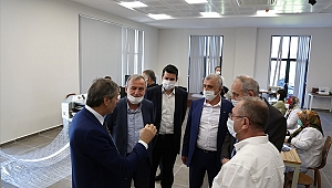 Başkan Alemdar Maske Üretim Tesisini Gezdirdi