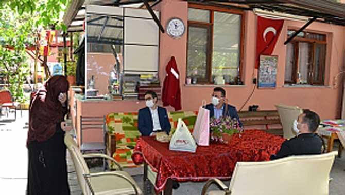 Kaymakam Bayar'dan ve Başkan Özen'den Şehit ve Gazi Annelerine Ziyaret