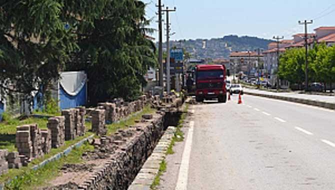 Sapanca'da Elektrik Telleri Yer Altına Alınıyor