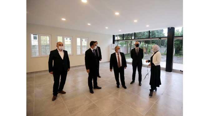 Vali Nayir Tadilat Çalışmaları Süren Sakarya Öğretmenevini Gezdi