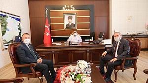 Vali Yaşar Zımba'yı kabul etti.