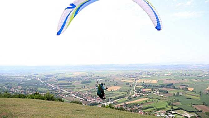 Yamaç paraşütü için Sakarya doğru adres