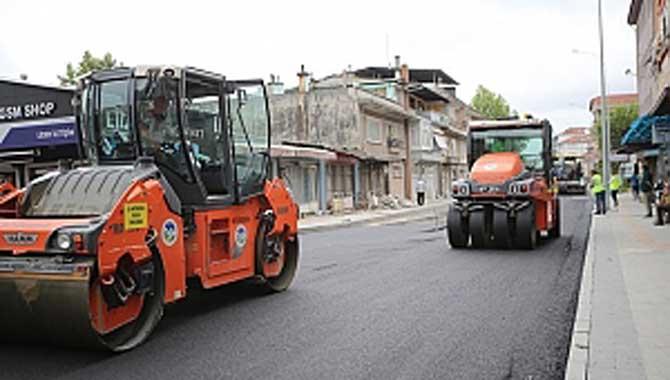 Erenler'in o caddesinde asfalt çalışmaları başladı