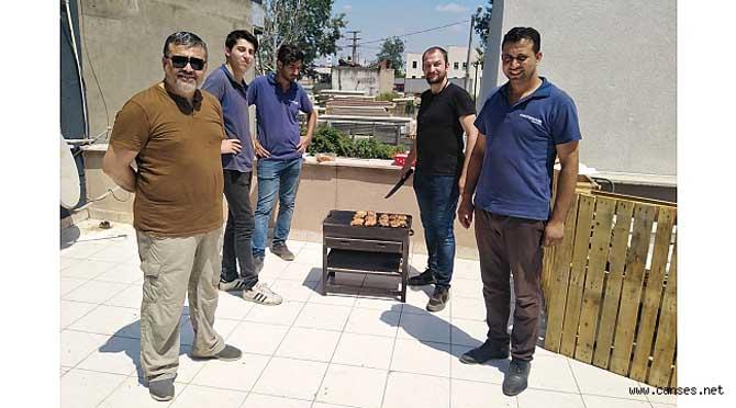 İnovatif farklı fikirleriyle oto doktoru İhsan Usta; Her Cumartesi günü Mangal geleneğini sürdürüyor