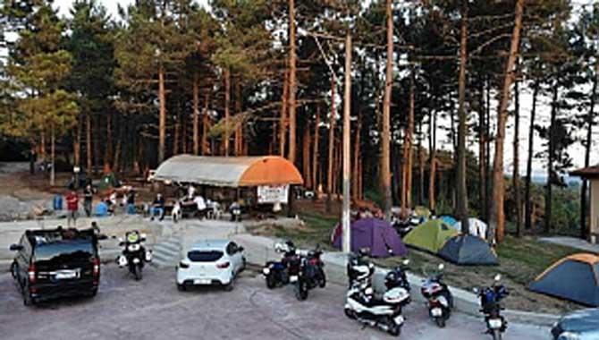 MOTOSİKLETÇİLER KAMP İÇİN FERİZLİDE