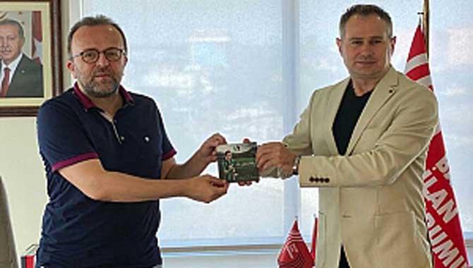 Yener; Dündar ve Candan ile Duran'ı ziyaret etti