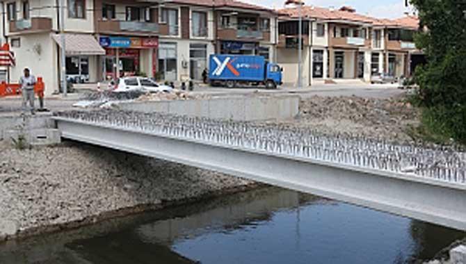 Alternatif yol projesinde köprü tamamlanıyor