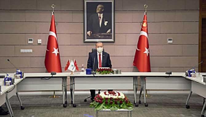 Cumhurbaşkanı Erdoğan'dan Zafer Bayramı'nda Yeni Müjdeler: Türkiye artık Uzay Liginde Patlayıcı Hammaddesinde dışa bağımlılığı azaltıyoruz Yeni nesil lazer güdümlü topçu füzemiz geliyor