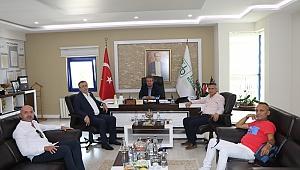 Türkiye Fırıncılar Federasyonu Başkanı Halil İbrahim Balcı, Sakarya Ticaret Borsasını ziyaret etti.