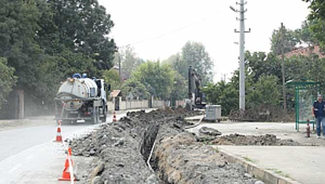 Akyazı Vakıf Mahallesi'ne 7 kilometrelik içmesuyu hattı
