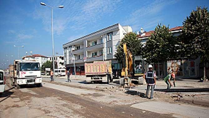 Büyükşehir Erenler'de altyapı çalışmalarına devam ediyor