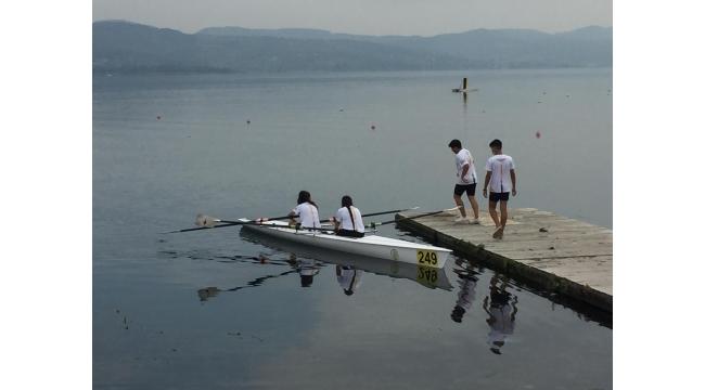 Deniz Küreği Şampiyonası Sapanca Gölünde başladı