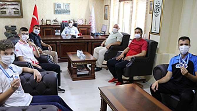 İl Müdürü Arif Özsoy, Özel Şampiyonları Ağırladı