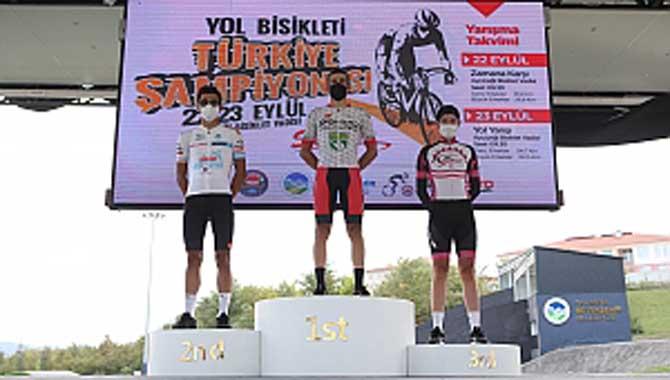 Şampiyonanın ilk gününde 3 madalya Büyükşehir'in