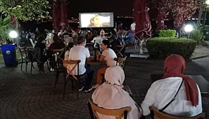 Sapanca'da Açık Hava Sinema Günlerine Büyük İlgi