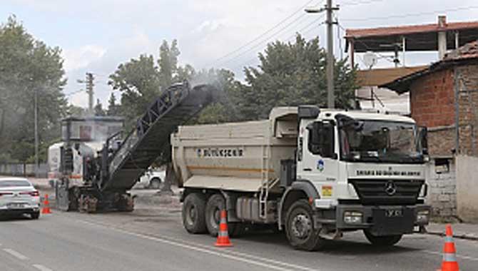 Yenilenen altyapı ve kaldırımların ardından sıra asfaltta